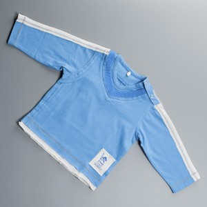 T-Shirt à manches longues, couleur Bleu Nil, col en V