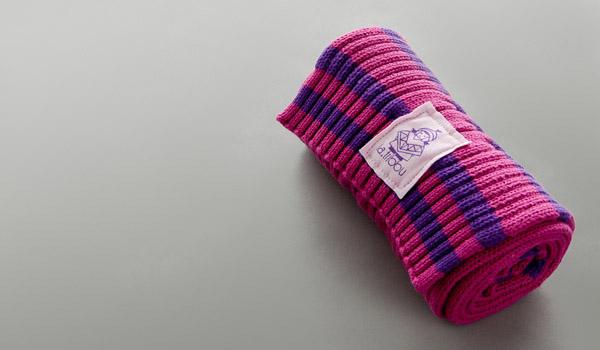 P595 echarpe tricotee flower pink